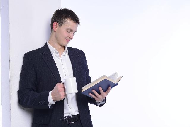 相場のアノマリーを学ぶ際の必読書「アノマリー投資」の書評